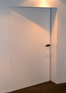 invisible-pusch-door_1